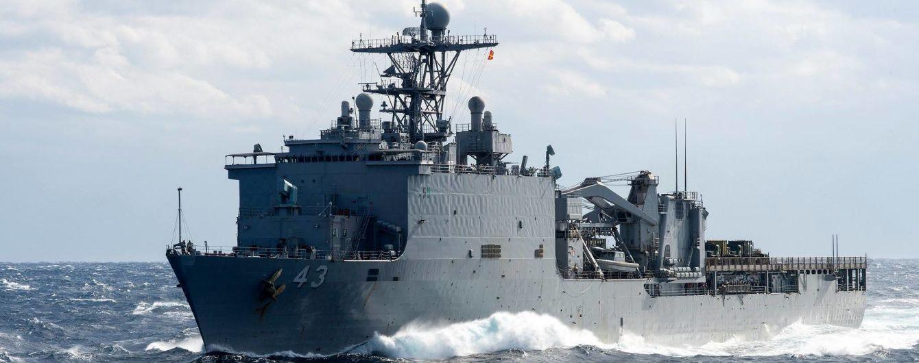 В Черное море направляется десантный корабль морской пехоты США