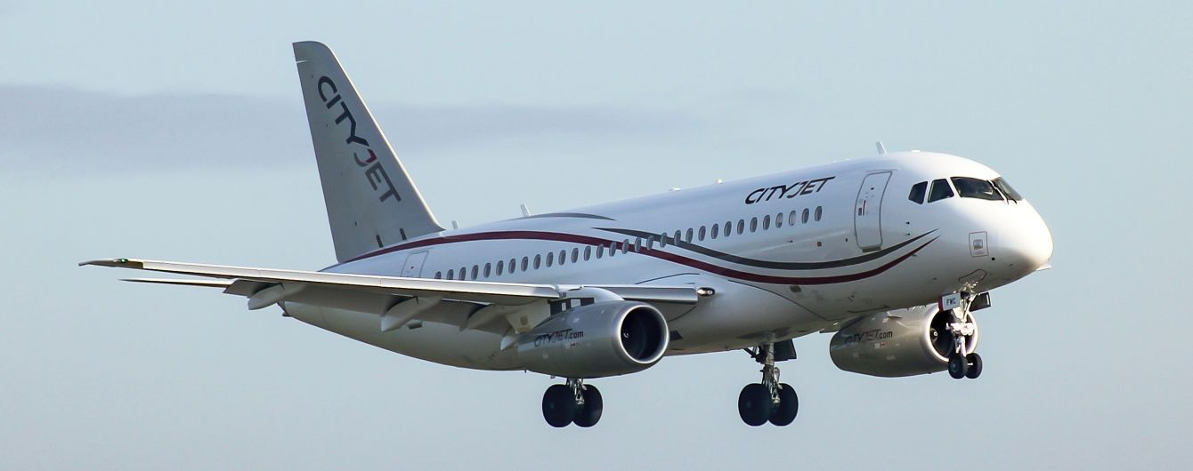 В течение суток в РФ из-за неисправности самолетов Superjet отменили сразу четыре авиарейса