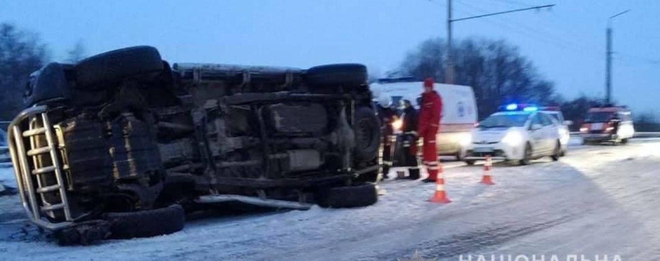В Ивано-Франковской области произошла авария: двое погибли, шестеро ранены