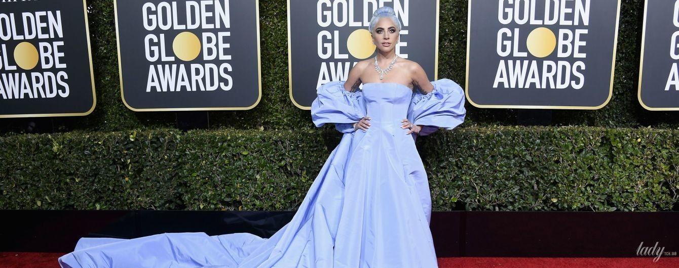 """В платье с огромным шлейфом: Леди Гага получила награду на церемонии """"Золотой глобус-2019"""""""