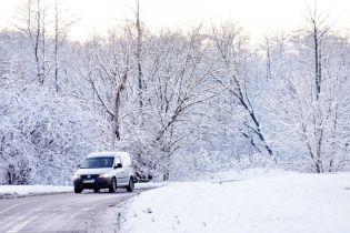 На Запорожье частично возобновили движение транспорта по дорогам госзначения