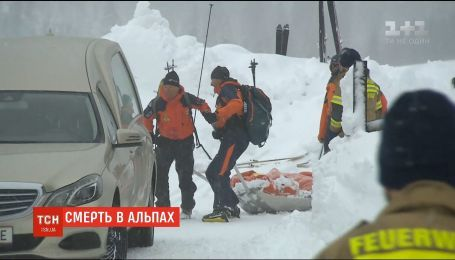 Семеро туристов погибли в Альпах во время схождения лавин