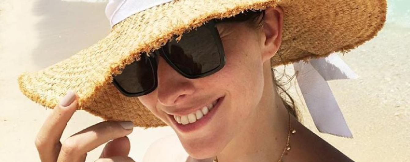 Екатерина Осадчая на солнечном Маврикии поплавала с дельфинам