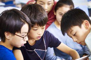 Китайську початкову школу атакував невідомий, поранено два десятка дітей