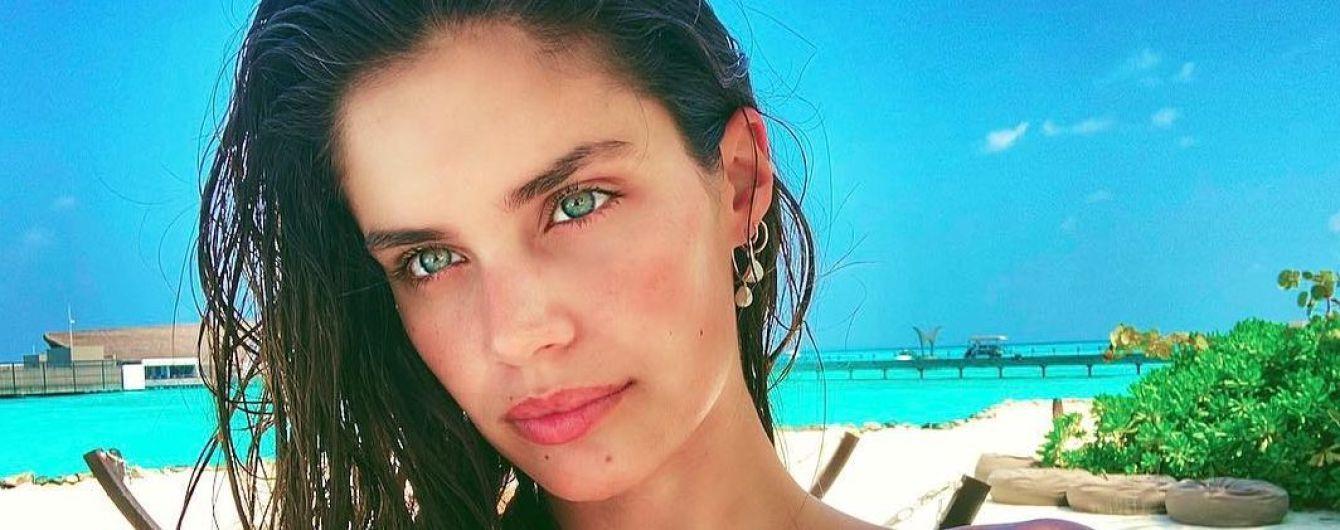 Меняет бикини, как перчатки: Сара Сампайо отдыхает на Мальдивах