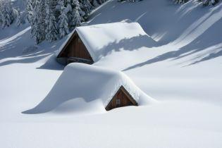 Канада у сніговому полоні: закрито аеропорти і автошляхи