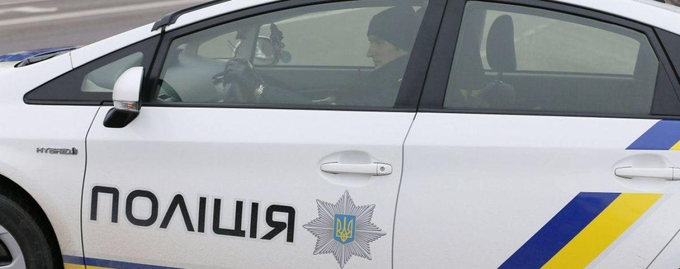 На Миколаївщині у дворі спрацювала вибухівка: серйозно поранено пенсіонера