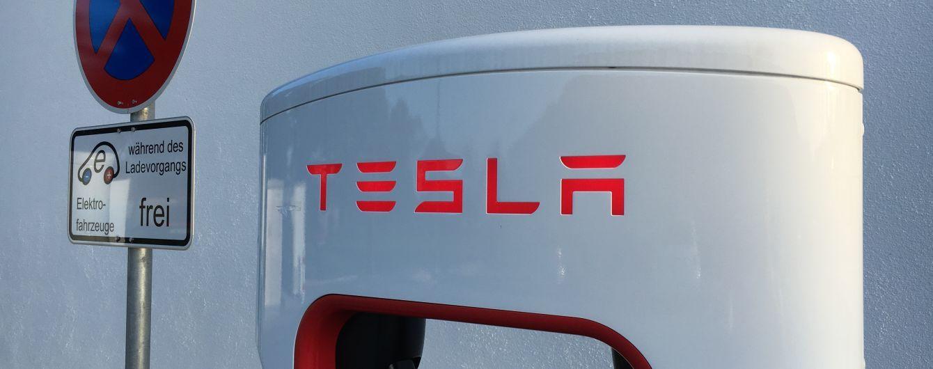PR для залучення клієнтів: ЗМІ пояснили, чому Tesla не могла збити російського робота Promobot