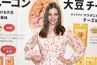 Миранда Керр в Японии: три стильных образа модели