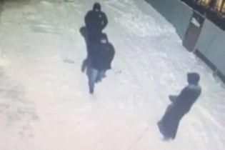 Замах на вбивство депутата у Кривому Розі: поліція розшукує трьох нападників