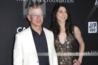 Глава Amazon Джефф Безос изменял жене – СМИ