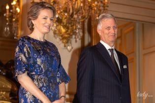 У нових відтінках: королева Матильда здивувала вибором вбрання для першого світського виходу