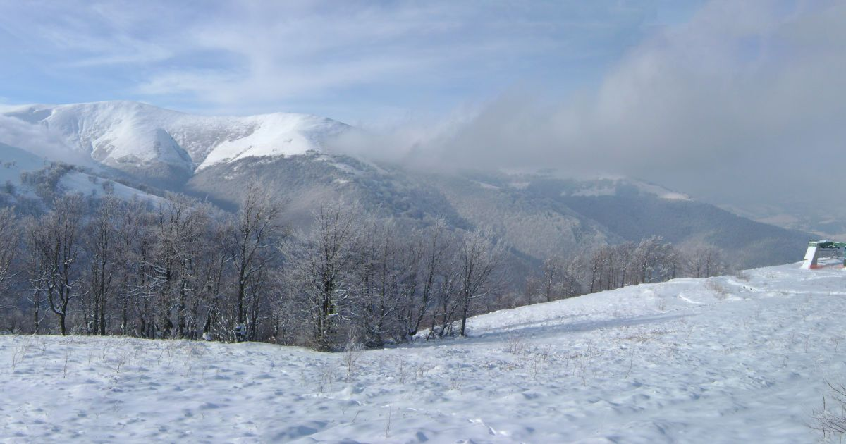 Четвертые сутки поисков: пропавший в Карпатах турист снова вышел на связь