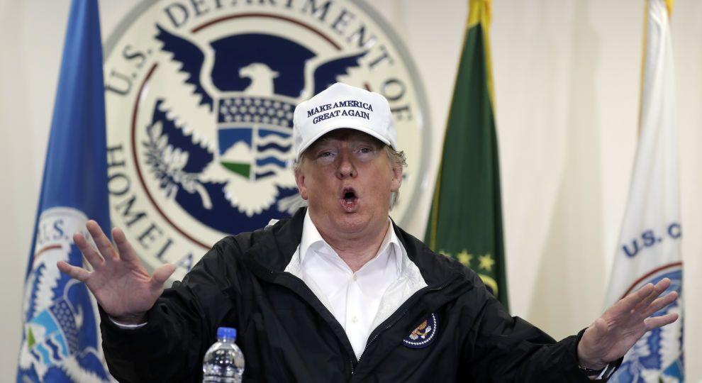 """Трамп готовий на певні """"поступки"""" перед демократами, аби припинити """"шатдаун"""" у США"""
