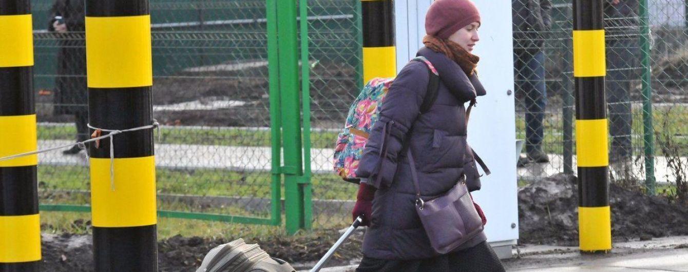 Польша обнародовала статистику о выданных видов на жительство. Украинцы - безусловные лидеры