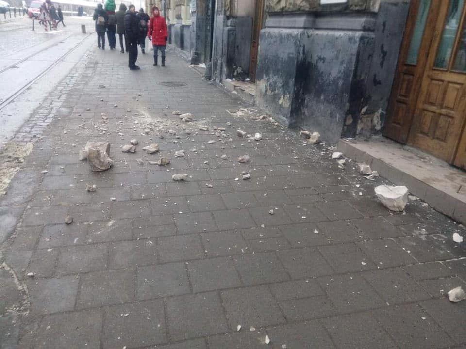 Обвал фасаду у Львові