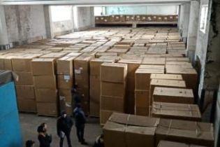 На Днепропетровщине разоблачили нелегальную компанию по производству сигарет