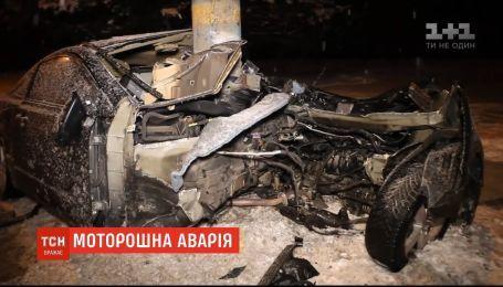 Автомобиль разорвало пополам: подробности ДТП в Днепре
