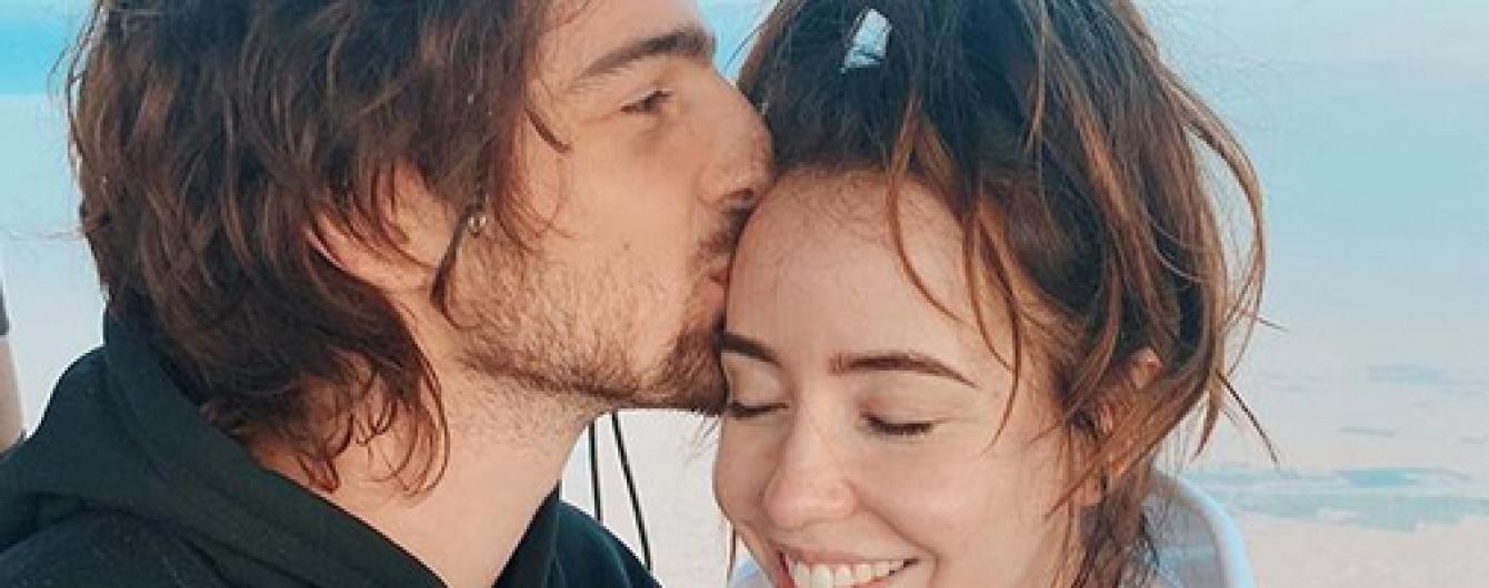 Закохані та щасливі: Надя Дорофєєва з чоловіком насолоджувалися польотом на повітряній кулі