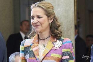 В пестром пиджаке и на каблуках: принцесса Елена удивила своим новым образом