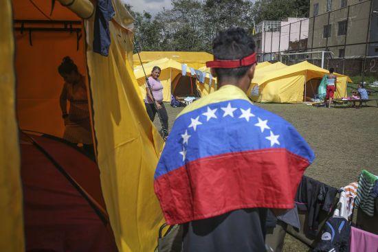 У Венесуелі розпочався другий термін диктатора Мадуро. До кінця року з країни можуть втекти вже 5 мільйонів громадян