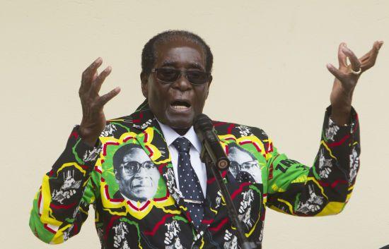 В екс-диктатора Зімбабве вкрали портфель із $150 тисячами. Правоохоронці підозрюють його родичів