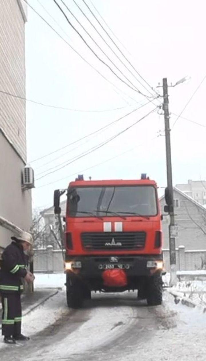 Масштабна пожежа у Вінниці: з охопленої полум'ям багатоповерхівки евакуювали 12 людей