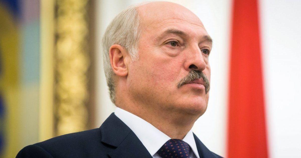 """""""Москва захлебнулась"""": Лукашенко заявил, что российские тесты для выявления коронавируса """"ни к черту"""""""