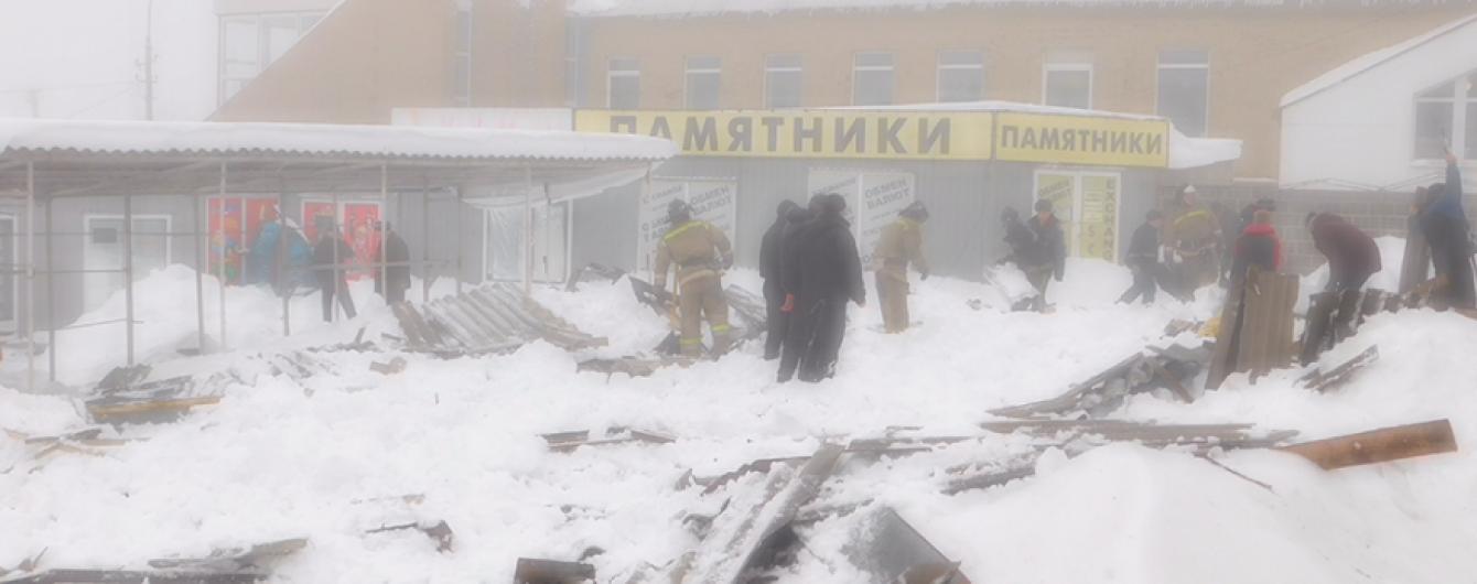 В оккупированной Макеевке обрушилась крыша торгового ряда: есть раненые