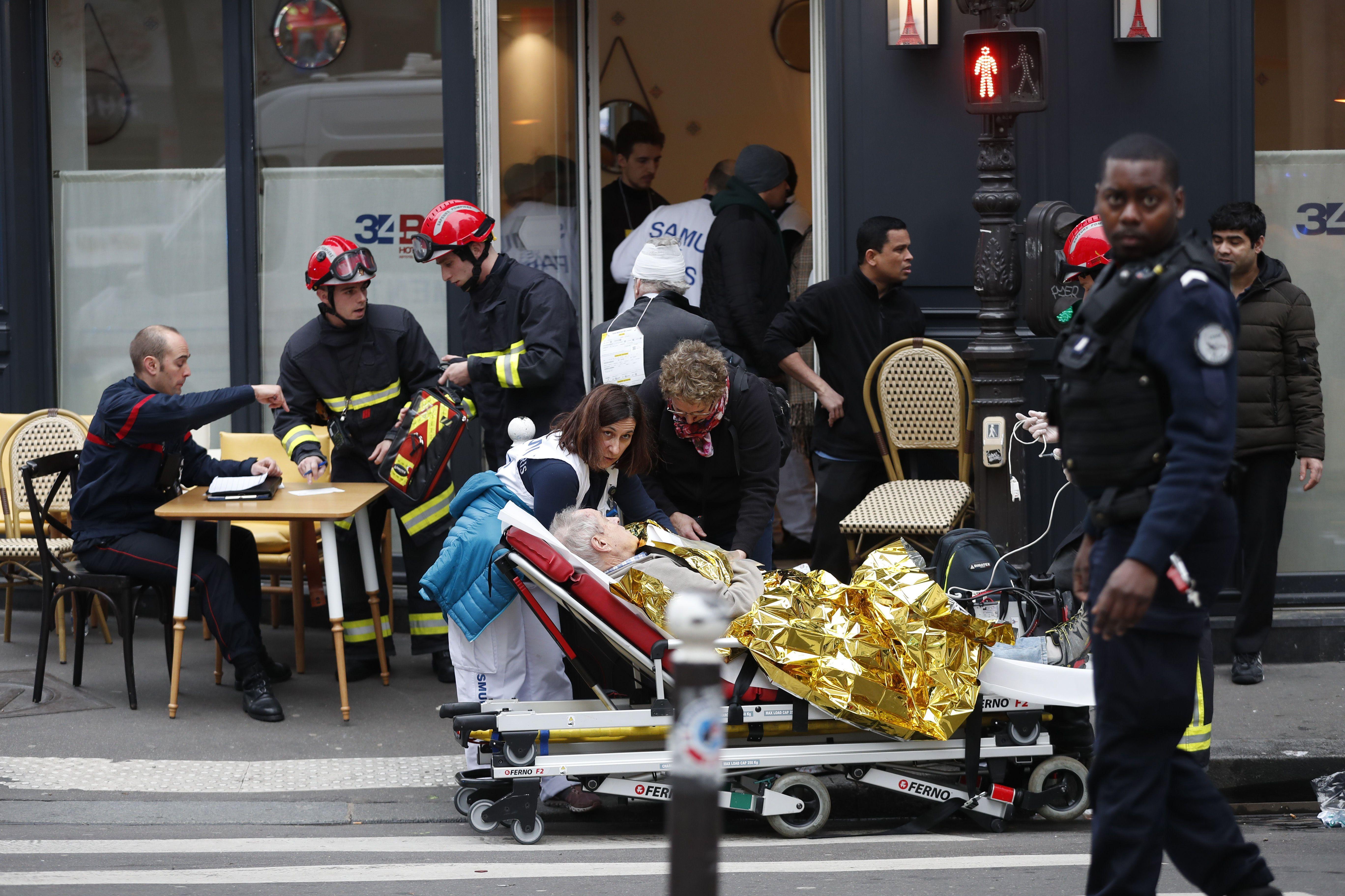 вибух, париж, франція