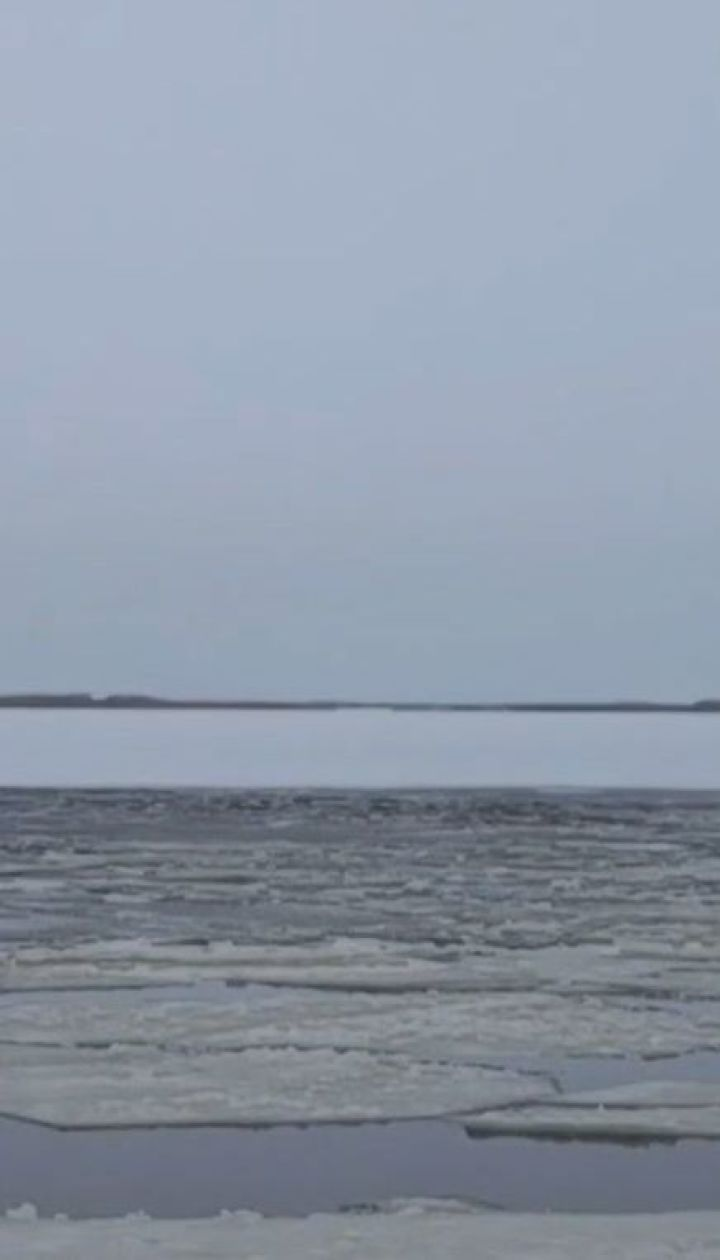 Трагедія на Київському водосховищі: під кригу провалилися рибалки