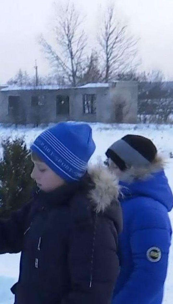 Рятувальна операція: на Хмельниччині хлопчиків, які провалилися під кригу, витяг випадковий свідок