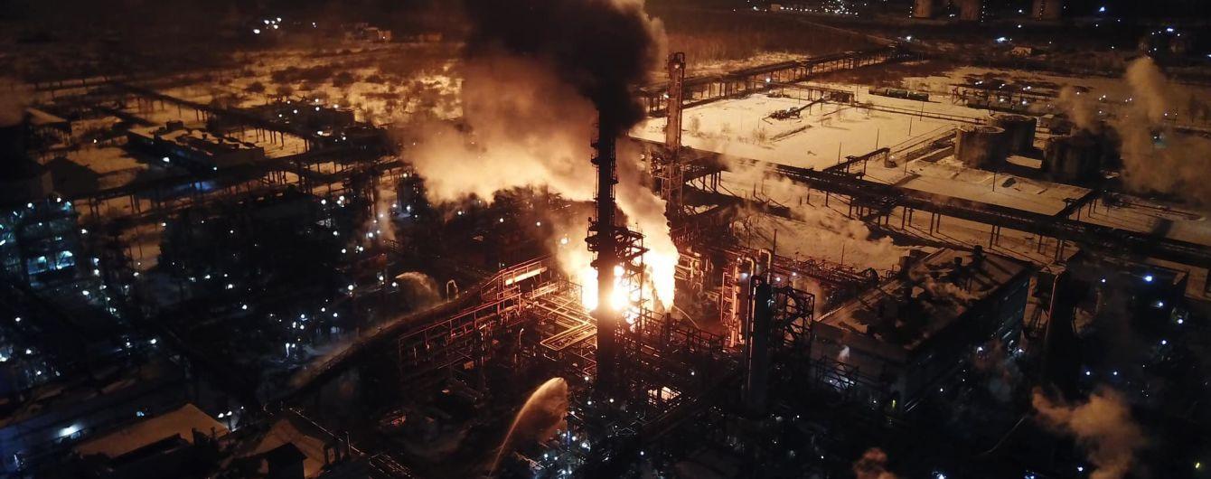 Пожар на химзаводе в Калуше: к ликвидации привлекли более 100 пожарных