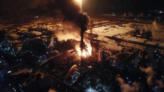 Пожежа на хімзаводі в Калуші: до ліквідації залучили понад 100 вогнеборців