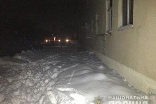 На Харьковщине отец выбросил ребенка из окна четвертого этажа