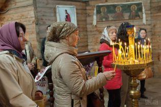 На Хмельнитчине священник Московского патриархата вместе с прихожанами перешли в Поместную церковь