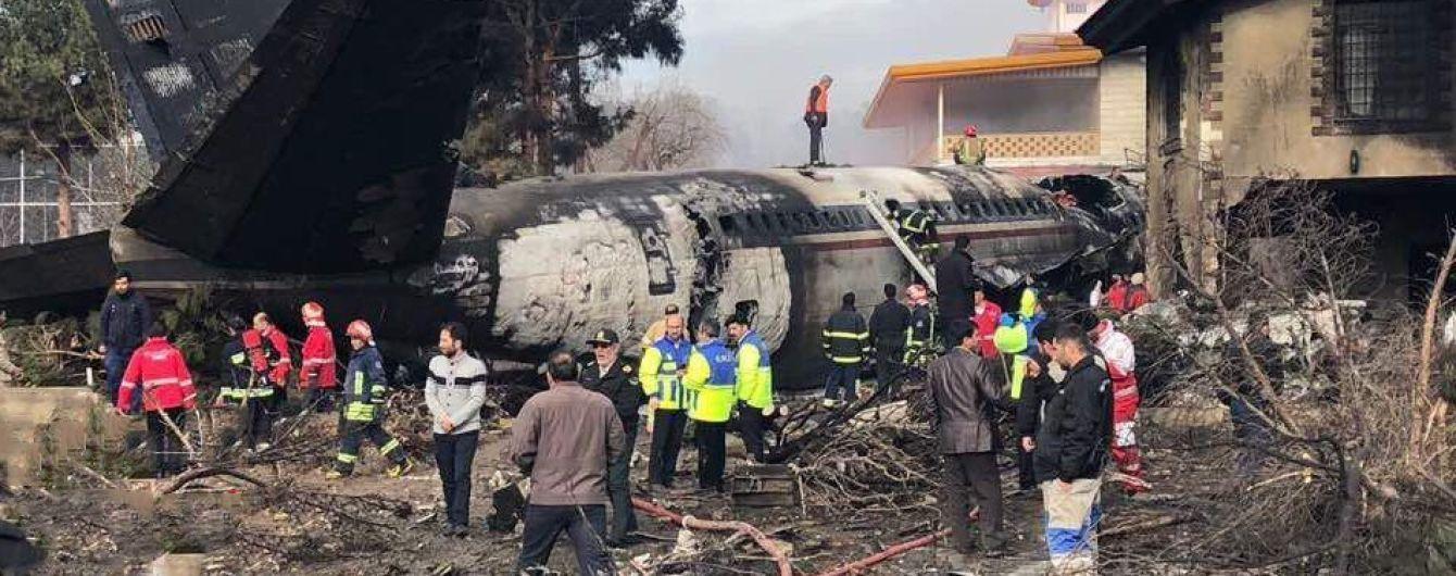 В Иране разбился грузовой самолет, на борту которого находилось 16 человек