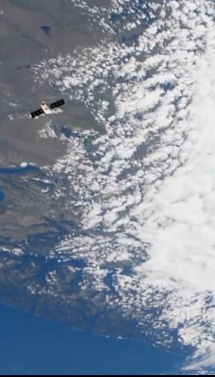 NASA опубликовало уникальные кадры полета космического корабля Dragon