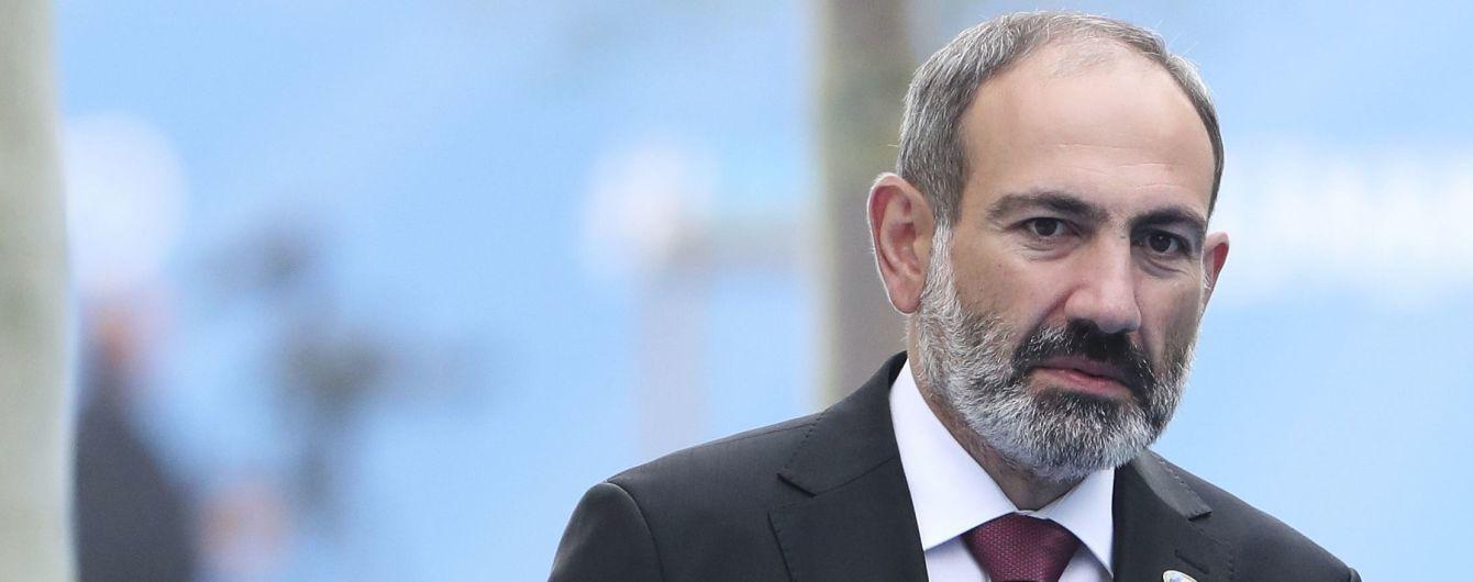 """В Армении военные потребовали отставки Пашиняна: он назвал это """"попыткой переворота"""""""