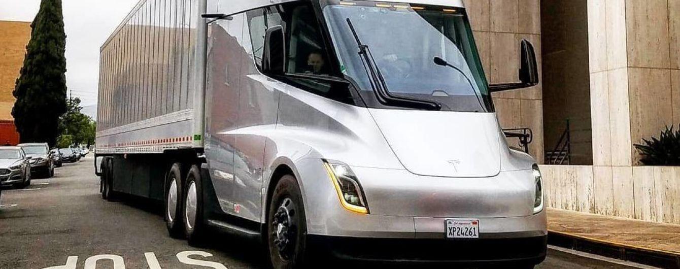 """Глава Daimler Trucks заявил, что Tesla Semi """"нарушает законы физики"""""""