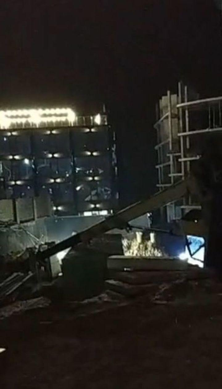 Смерть строителя: на пляже Ланжерон в Одессе автокран сбил мужчину