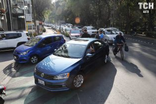Автогігантів звинуватили у маніпуляціях з витратою пального автівками