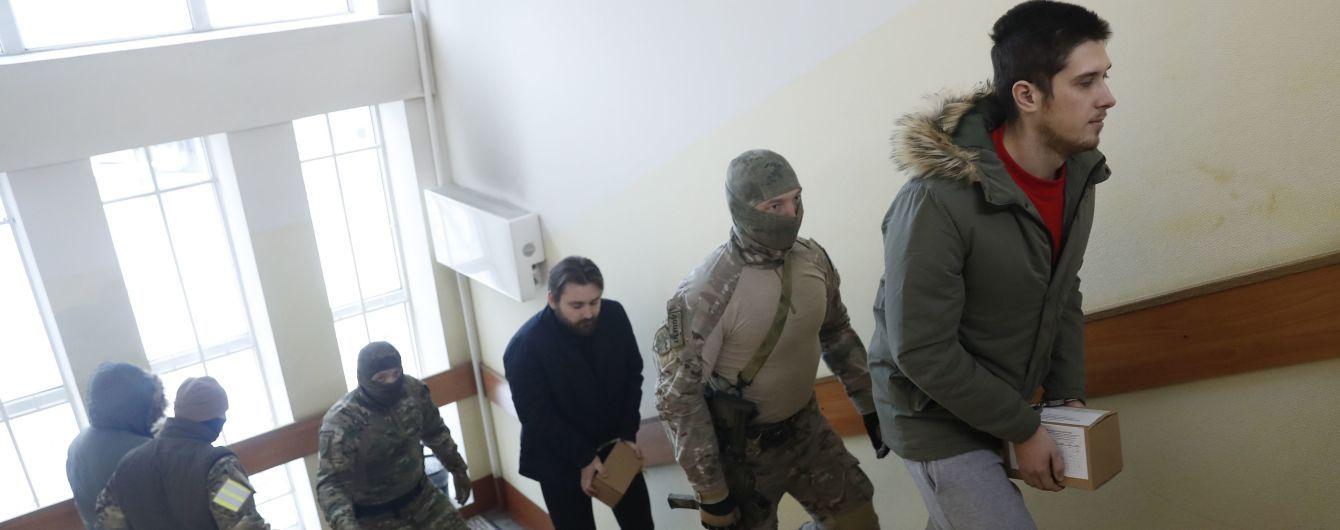 Окончательные обвинения в РФ выдвинули уже 13 пленным украинским морякам