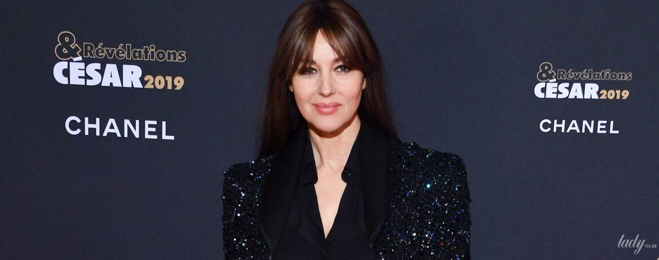 В прозрачной блузке и жакете со стразами: элегантная Моника Беллуччи на красной дорожке в Париже