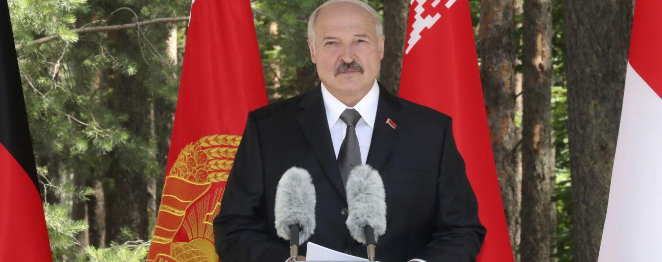 """Лукашенко пообещал совместно с Россией """"думать об ответных мерах"""" в случае появления ракет США в Европе"""