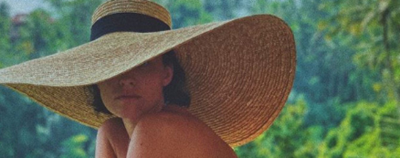 Битва обнаженных и сексуальных: Даша Астафьева vs Санта Димопулос
