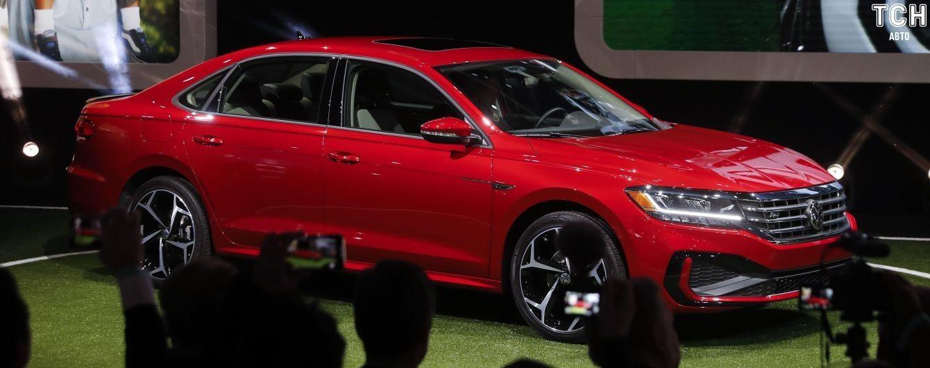 Volkswagen официально представил обновленный Passat