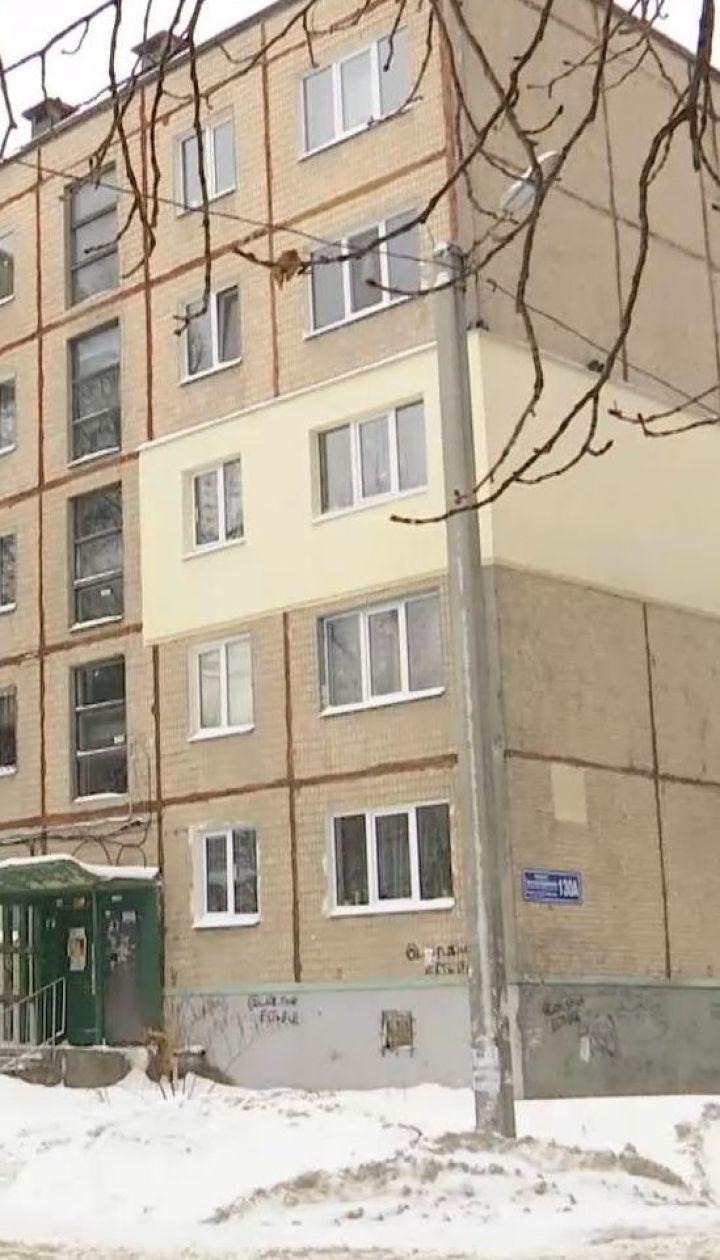 Невыносимое соседство: в квартире харьковской многоэтажки женщина держит более двух десятков собак