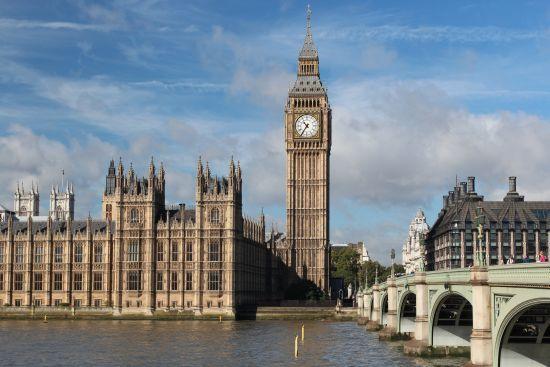 Британський парламент не підтримав вотум недовіри уряду Мей після провального голосування за Brexit