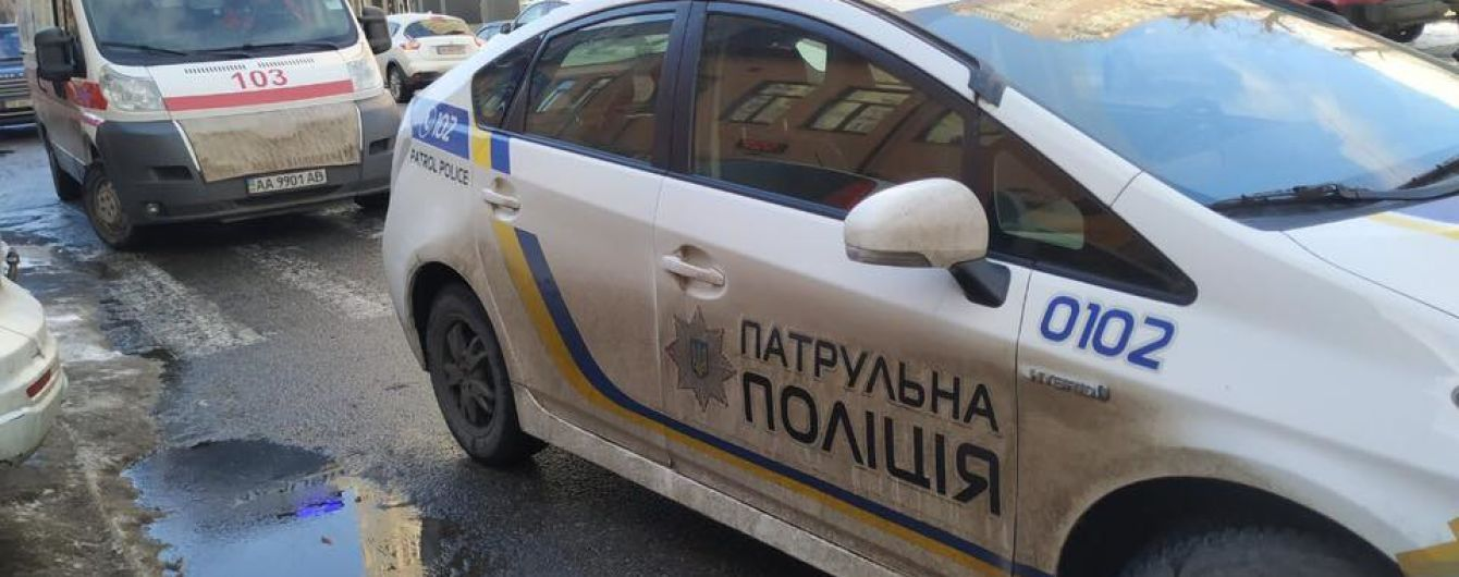 У центрі Києва водій Skoda збив жінку та утік